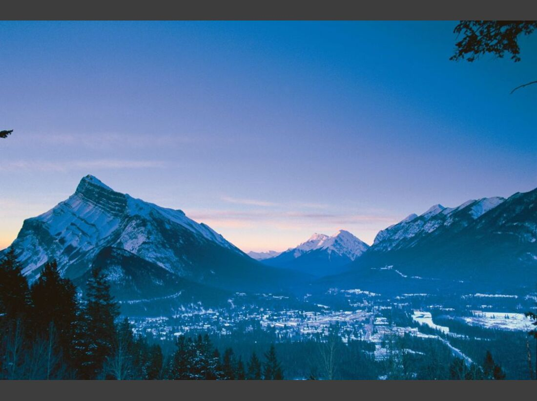 Banff_Winter_Sunrise_-0036_21763 (jpg)