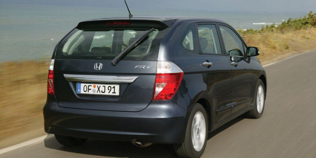 Honda-FR-V-fotoshowImage-d5d337a9-521285 (jpg)