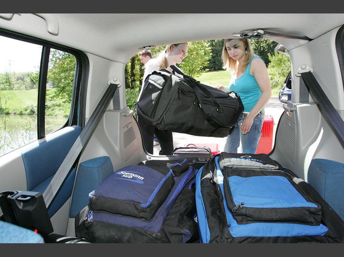 OD-2012-UrlaubsfahrtVorbereitung-Gepaeck (jpg)