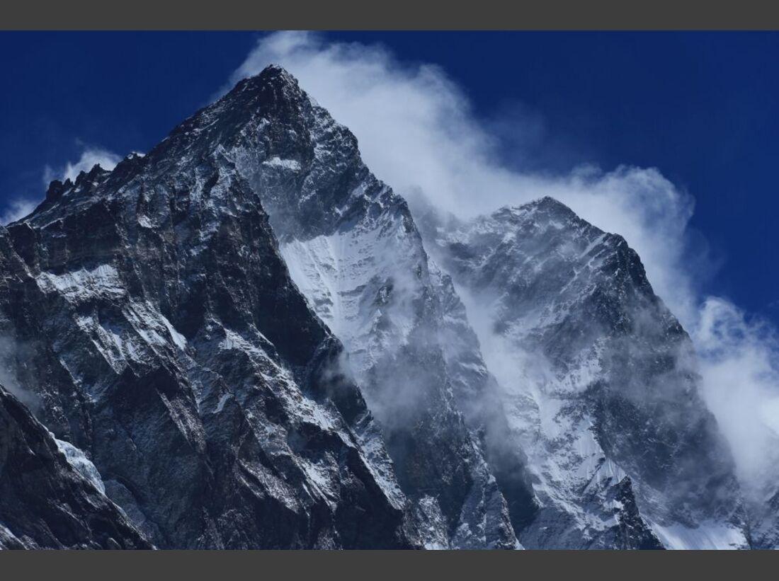 OD-Beyond-The-Edge-Sir-Edmund-Hillarys-Aufstieg-Zum-Gipfel-des-Everest-DVD-Start-2015-02 (jpg)