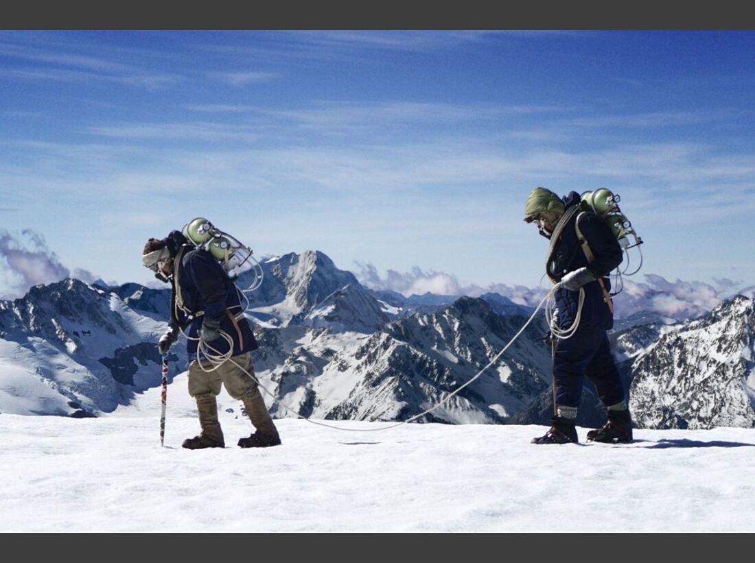 OD-Beyond-The-Edge-Sir-Edmund-Hillarys-Aufstieg-Zum-Gipfel-des-Everest-DVD-Start-2015-06 (jpg)