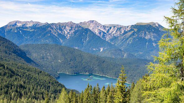 OD-top-10-Alpenseen-Eibsee-COLOURBOX14975531