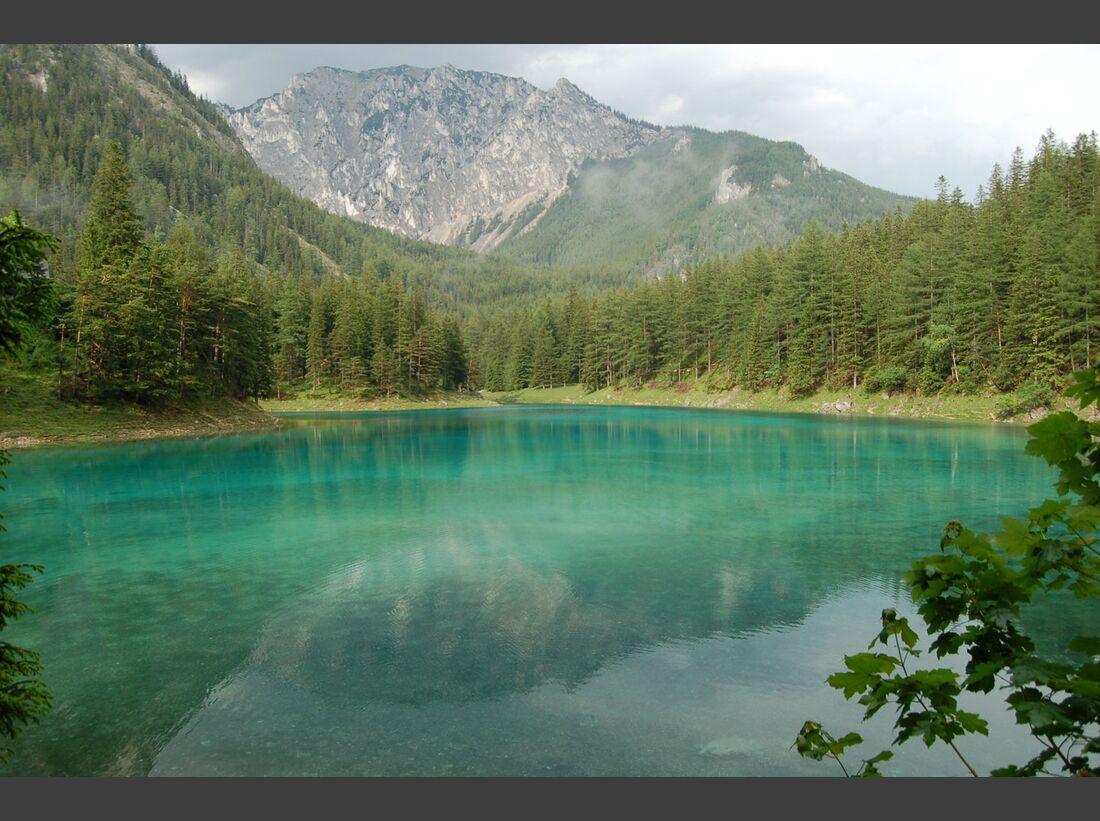 OD-top-10-Alpenseen-Gruener-SeeAgainst-Messnerin_Herzi-Pinki_wikipedia