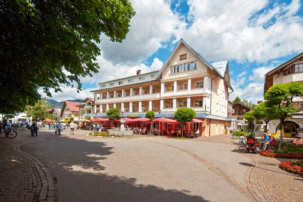od-0519-bayern-special-oberstdorf-hotel-oberstdorf-sommer-hotel-mohren (jpg)