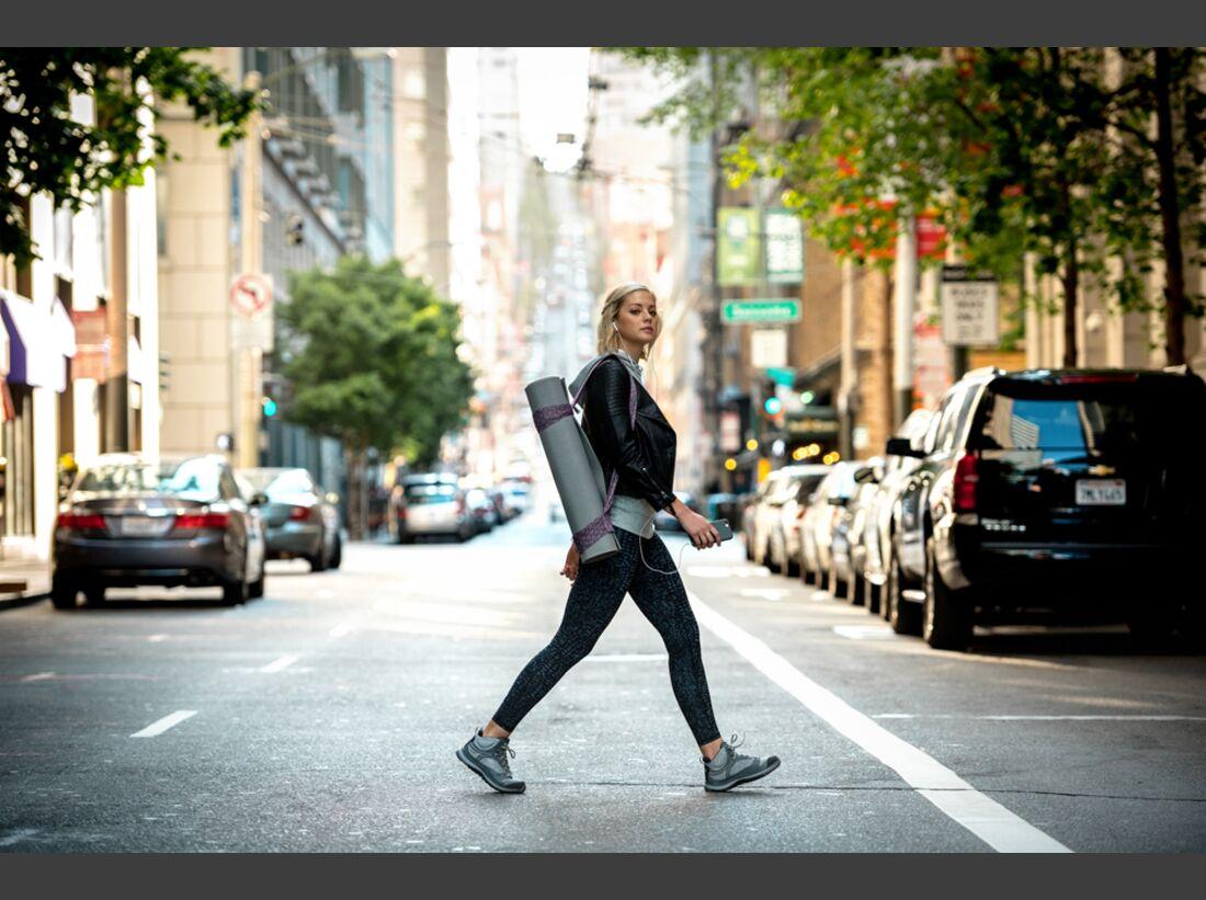 od-2017-keen-special-terradora-trailfit-laufen joggen city urban stadt gruppe (jpg)