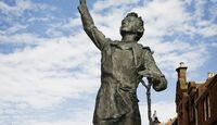 od-johnmuirway-john-muir-statue-dunbar